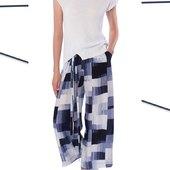 Faites vous plaisir avec ce petit pull en mailles fines à manches courtes et à ce pantalon léger de chez @crea_concept_ 🍭 #creaconcept #pull #maillesfines #pantalon #été #summer #shop   📧 articles disponibles sur le site 📧
