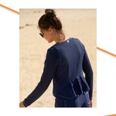 Une petite veste qui se marie très bien avec la robe présentée sur la publication précédente 🪁 #veste #mcplanet #bleumarine #été #collection2021   📧 article disponible sur le site 📧
