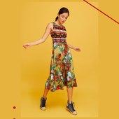 ☀️Petite robe de chez @aldomartins_bcn pour bronzer cet été ! 🌈 #aldomartins #couleurs #été #collection2021 #robe   📧 article disponible sur le site 📧